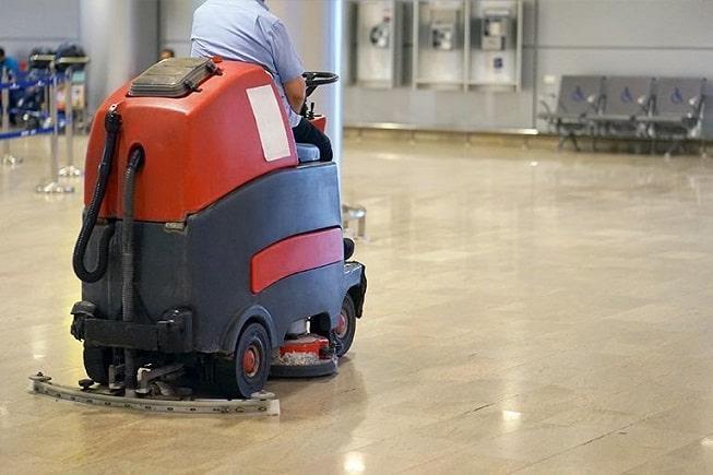 Serwis maszyn sprzątających